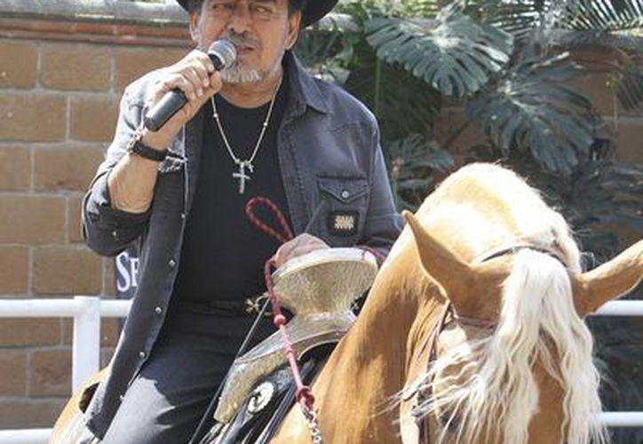 """""""El Poeta del Pueblo"""" tiene previsto encabezar en Matamoros, Tamaulipas, las Fiestas Mexicanas, donde ofrecería un concierto gratuito el 28 de febrero próximo. (Archivo Notimex)"""
