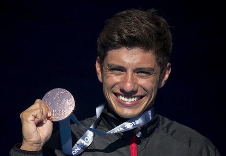 En su debut en FINA 2013, Jonathan Paredes se agenció  medalla de bronce en clavados de altura. (Agencias)