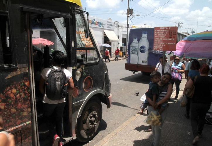 Concesionarios del transporte solicitarán asesoría de la iniciativa privada; insisten en el alza. (Milenio Novedades)