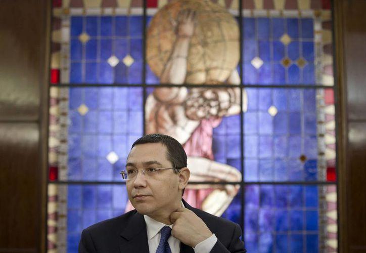 Victor Ponta se mantendrá en el poder hasta que el nuevo ejecutivo asuma el cargo. (Agencias)