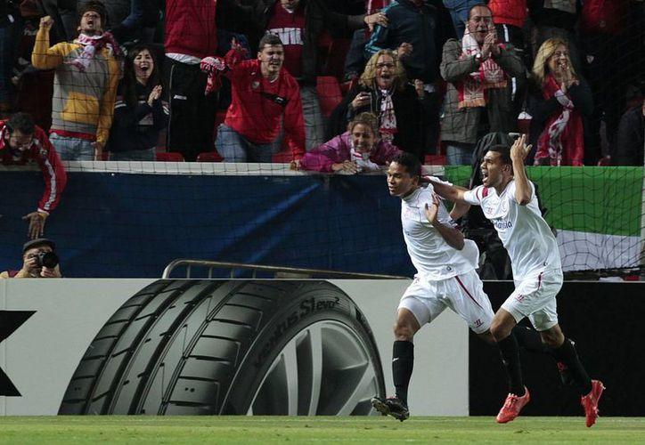 El colombiano Carlos Bacca, uno de los máximos goleadores en la Liga de España, entró de cambio en partido de Liga Europa y anotó el gol del triunfo para Sevilla ante Zenit. (Foto: AP)