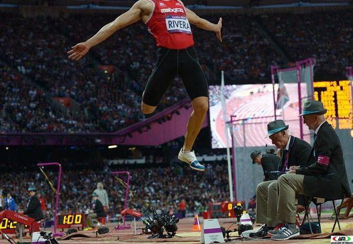 Luis Rivera llegó a lo más alto en el salto de longitud. (nuevaprensa.net)