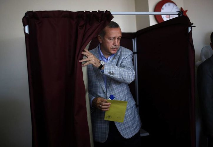 Recep Tayyip Erdogan, primer minstro turco, es el favorito para convertirse en presidente del país para los próximos cinco años. (AP)