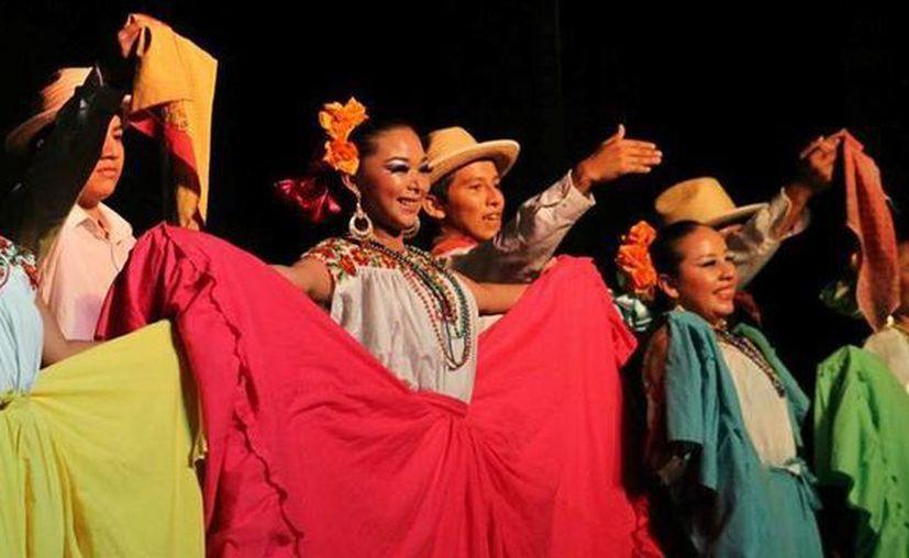 Las jaranas y suertes de Yucatán estuvieron a cargo de los anfitriones. (De la Redacción/SIPSE)
