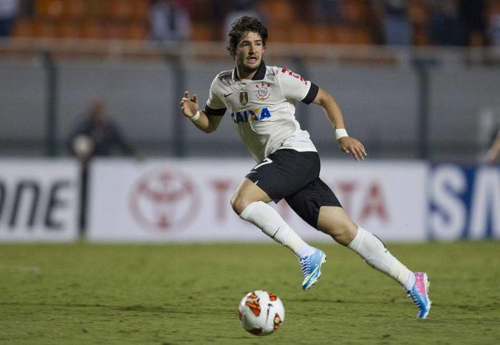 Pato, quien brillara en el AC Milan, ahora formará parte de la plantilla del Sao Paulo. (EFE)