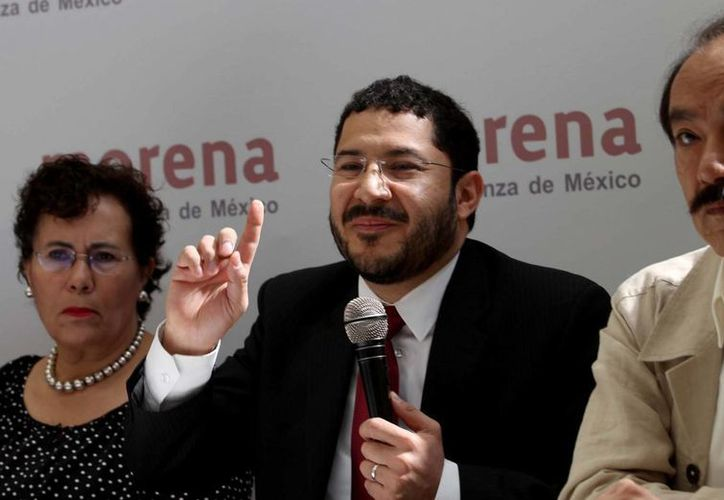 Los demandantes acusan a Emilio Chuayfett de querer desmantelar el sistema educativo de manera ilegal. (Agencias)