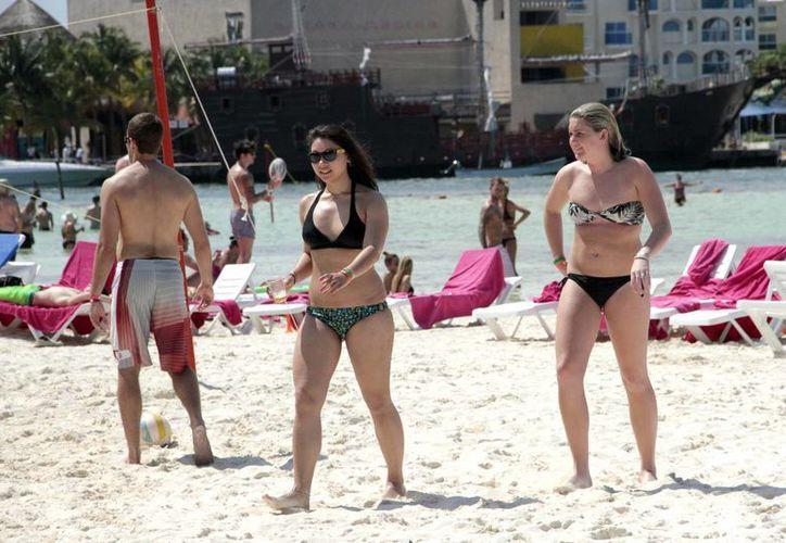 Los turistas internacionales dejan excelente derrama económica. (Archivo/SIPSE)
