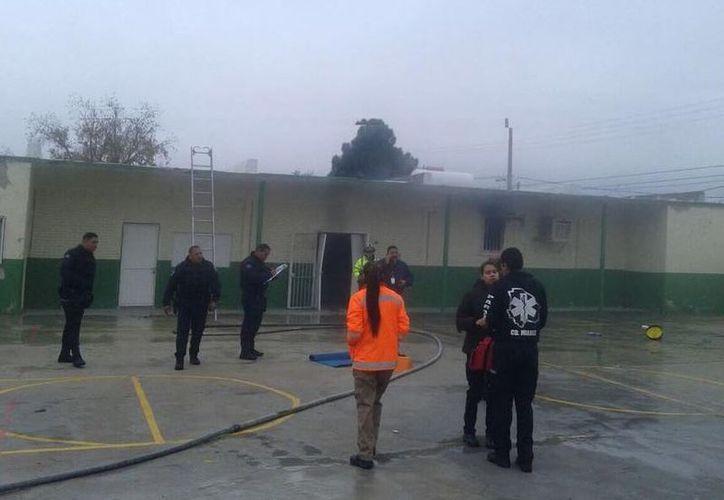 La explosión se suscitó luego de que el conserje de la escuela realizaba trabajos de mantenimiento. (Foto: Televisa)