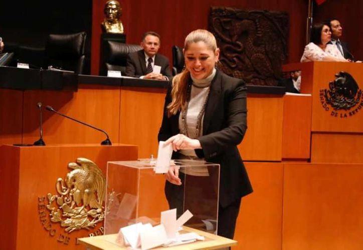 Una mujer sería la próxima presidenta de la Mesa Directiva del Senado de la República y entre las candidatas está Verónica Camino Farjat. (Foto: redes sociales)