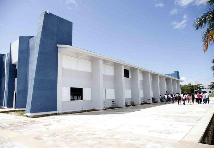 El curso de redes sociales para tu negocio será impartido en al Universidad Tecnológica de Cancún. (Redacción/SIPSE)