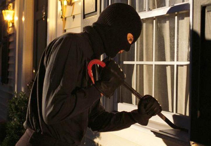 La familia de presuntos ladrones se llevó un comedor, la sala, una lavadora, entre otros enseres. (Archivo/Sipse)