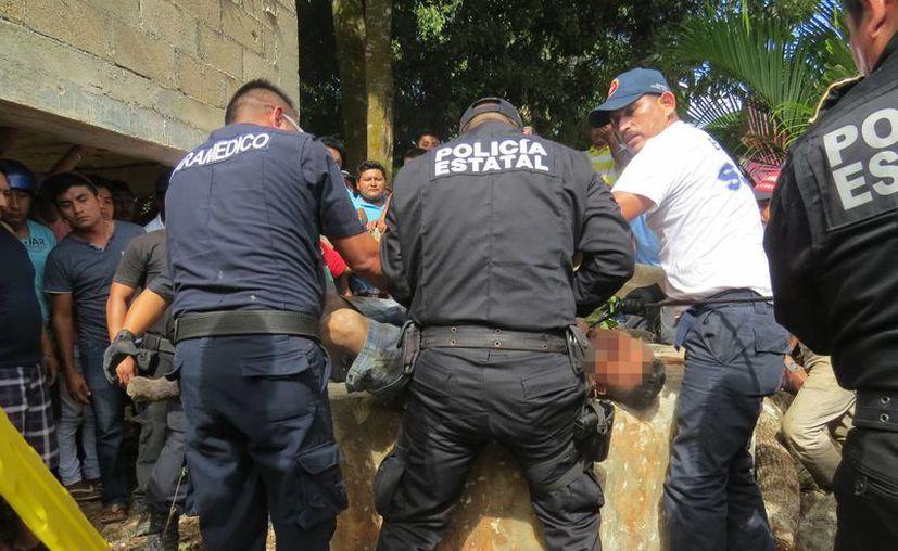 Santiago fue rescatado por elementos de la SSP desde el fondo de un pozo de 25 metros de profundidad. (SIPSE)