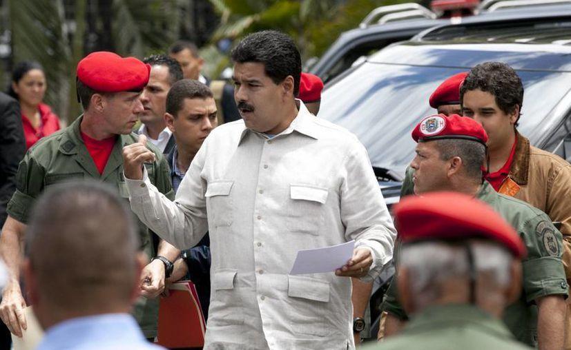 Maduro aseguró que aplicará la medida inmediatamente. (Agencias)