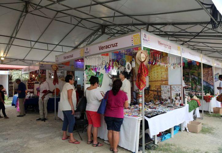 La Feria Artesanal Tunich 2017 se inauguró este viernes, y estará abierta hasta el 6 de agosto, en Dzityá, comisaría de Mérida. (Milenio Novedades)