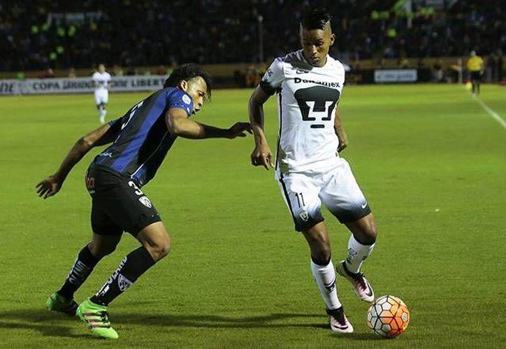 El 11 universitario consiguió un gol que le devuelve esperanzas a los Pumas para afrontar la vuelta en el Olímpico Universitario. (Mexsport)