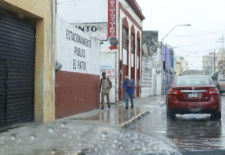 Este jueves una zona de inestabilidad estará en interacción con la onda tropical número tres sobre la región y favorecerá intensas lluvias. (Milenio Novedades)