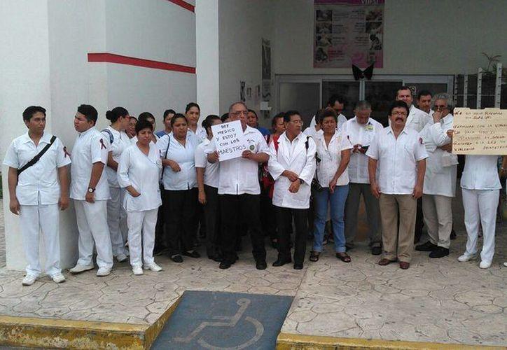 Los servicios de urgencia, terapia intensiva y quirófanos están garantizados para la población. (Ángel Castilla/SIPSE)