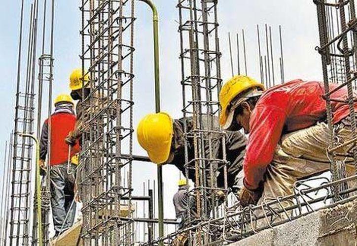 Especialistas indican que será muy difícil ver una recuperación en el sector construcción como la que se dio después de la caída de más de 20% en 1995. (Milenio)