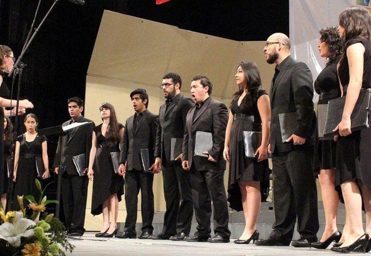 El Festival Internacional de Coros Yucatán se realizará en el teatro 'Peón Contreras'. (Milenio Novedades)