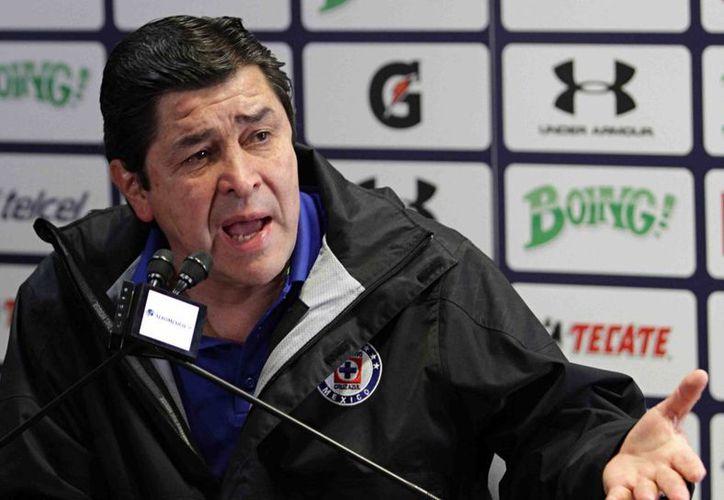 El entrenador de Cruz Azul, Luis Tena, aclara que Roque Santa Cruz solía jugar con Málaga a nivel de mar, pero ahora tendrá que adaptarse a las altitudes mexicanas. (Foto de archivo de Notimex)