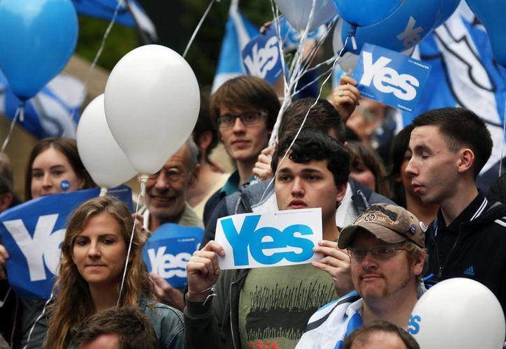 """Más de cuatro millones de escoceces están llamados a las urnas para responder una simple pregunta: ¿Debería Escocia ser un país independiente? Sí o no"""". (AP)"""