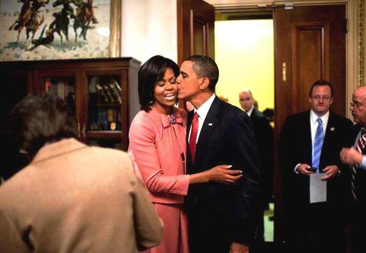 El Mandatario de EU reveló que cenó tamales, pollo con mole y quesadillas en la cena de San Valentín con su esposa Michelle. (@BarackObama)