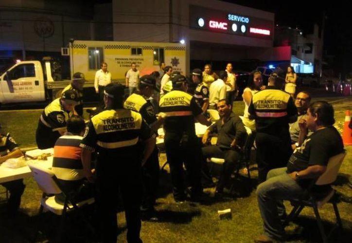 El operativo del 'Alcoholímetro' en Cancún, empezó a funcionar en el 2012 y se implementa de manera constante durante los fines de semana. (Redacción/SIPSE)
