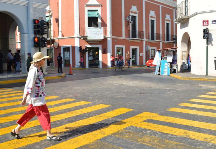 Mucha gente que llega de vacaciones a Mérida decide quedarse al percatarse de las bondades que ofrece. (SIPSE)