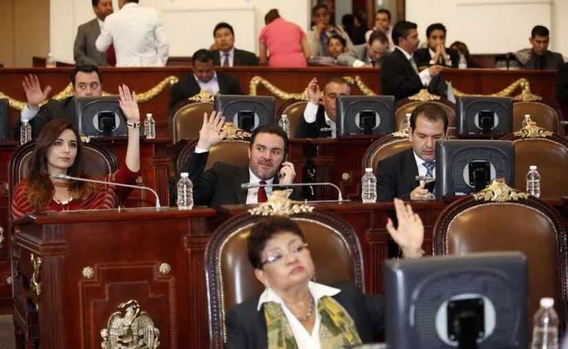 Con 59 votos a favor, cero en contra y cero abstenciones, la ALDF dio luz verde al presupuesto del DF. (Notimex)
