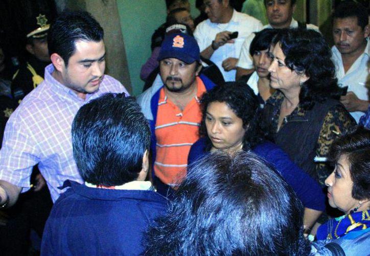 El director de Gobierno atendió a los maestros. (José Acosta/SIPSE)