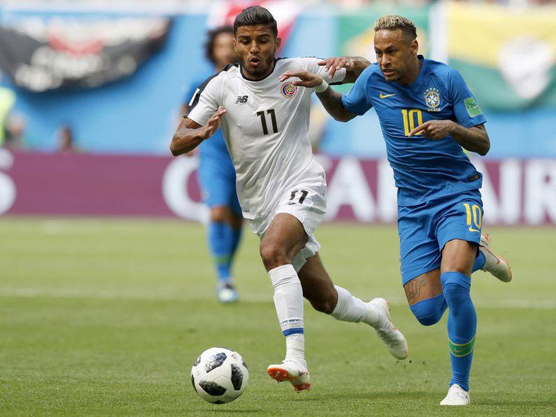 Neymar ha estado bien custodiado por los ticos, que están dando un gran partido, pero si pierden ante Brasil le dirían adiós a Rusia 2018 (Foto: AP)