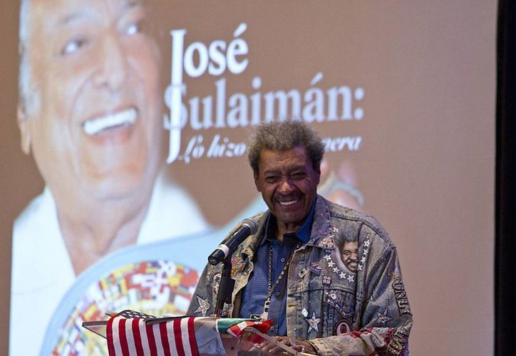 En el marco de la inauguración de un torneo amateur de box, este domingo se rindió un homenaje a don José Sulaimán  en el muro de los inmortales del gimnasio del Deportivo del Metro, en la CdMx. (Notimex)