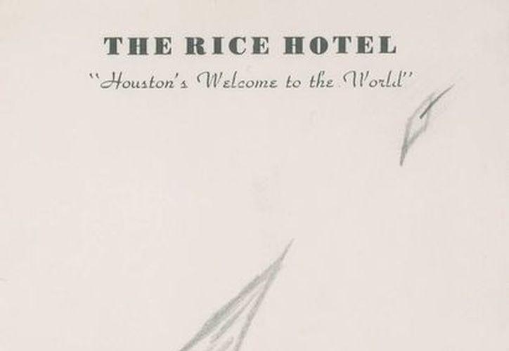 Imagen cedida por RR Auctions del último bosquejo que dibujó el presidente John F. Kennedy un día antes de ser asesinado el 22 de noviembre de 1963. (EFE)