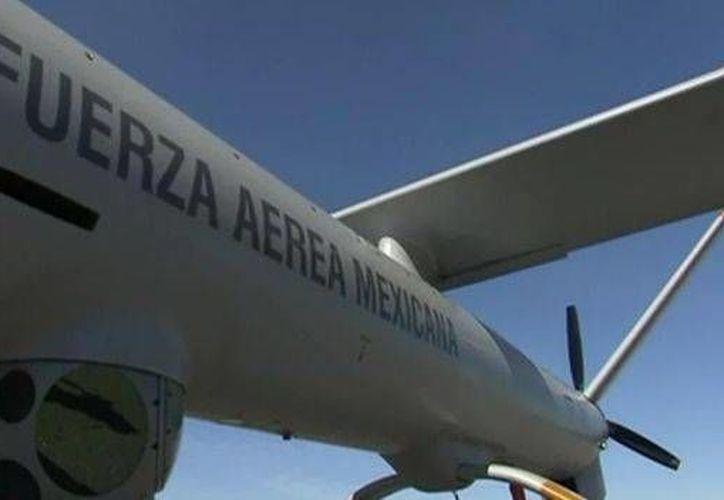 Los drones tienen una función meramente de vigilancia, por lo que no constituyen instrumentos de defensa, dijeron los comisionados del INAI para solicitar a la Sedena que informe sobre el particular. (Foto de contexto: www.noticiasmvs.com)