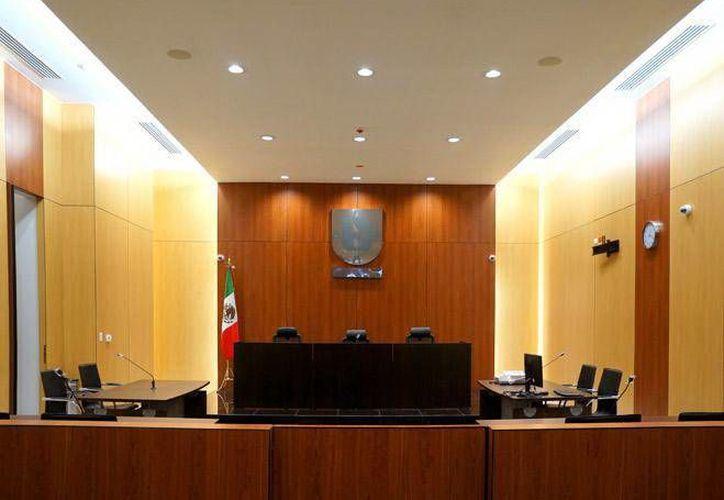 El proceso contra Carlos M. y Alan B. por el delito de robo calificado con violencia, se realizó en el Centro de Justicia Oral de Mérida, Yucatán. (Milenio Novedades)