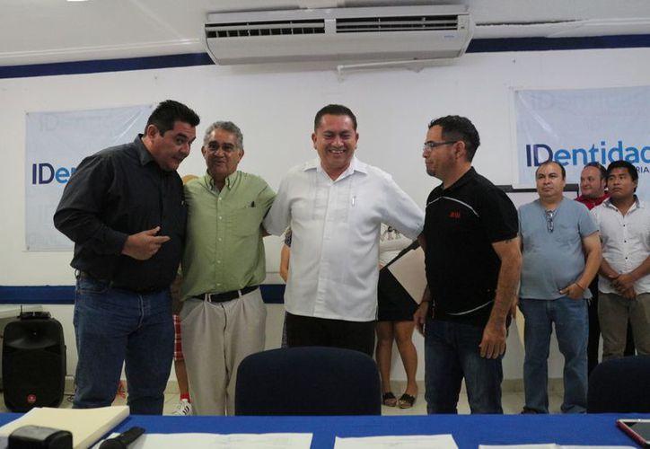 Mario Vicente tendrá hasta el mediodía de este miércoles para presentar su solicitud de inscripción. (Adrián Barreto/ SIPSE)