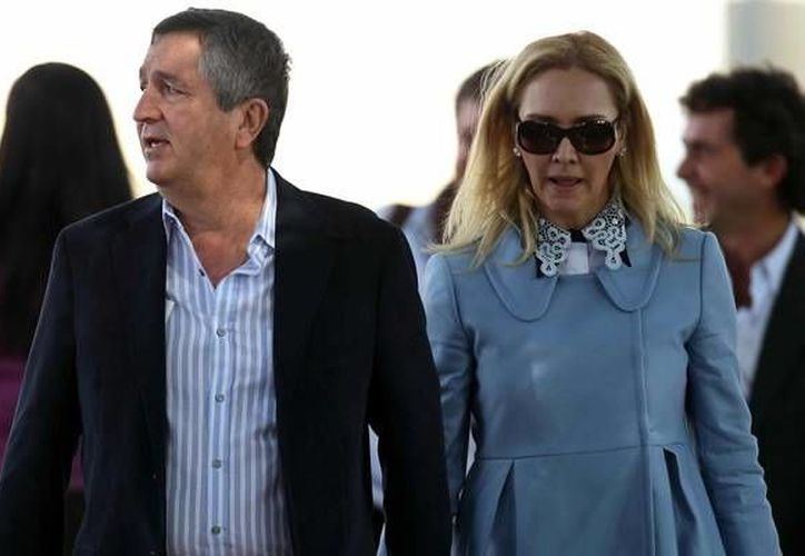 Los problemas entre Jorge Vergara y Angélica Fuentes, que derivaron en su separación, empezaron cuando, según el empresario, se detectaron movimientos 'extraños' en las cuentas de las empresas que compartía con su entonces esposa. (Archivo/AP)