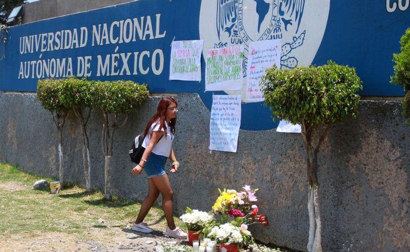 La estudiante de 18 años de edad llegó sin vida al hospital, versión que contradice la de las autoridades capitalinas. (Foto: Notimex/Francisco Estrada)
