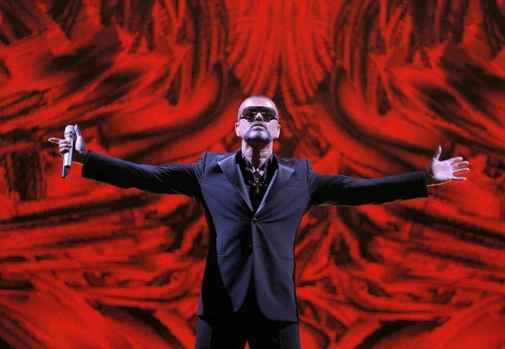 """El nuevo disco de George Michael incluye canciones propias así como versiones de piezas como """"My Baby Just Cares for Me"""" de Nina Simone. (Agencias)"""