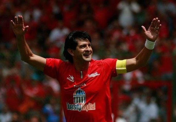 José Saturnino Cardozo, goleador histórico del Toluca, ha sido uno de los mejores futbolistas que han llegado al Toluca y al Futbol mexicano.(Foto tomada de Futbol Total)