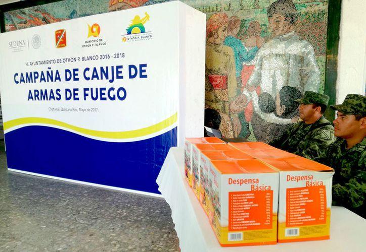 Once armas de fuego logró canjear la Sedena en 2015 en Quintana Roo. (Foto: Benjamín Pat / SIPSE)