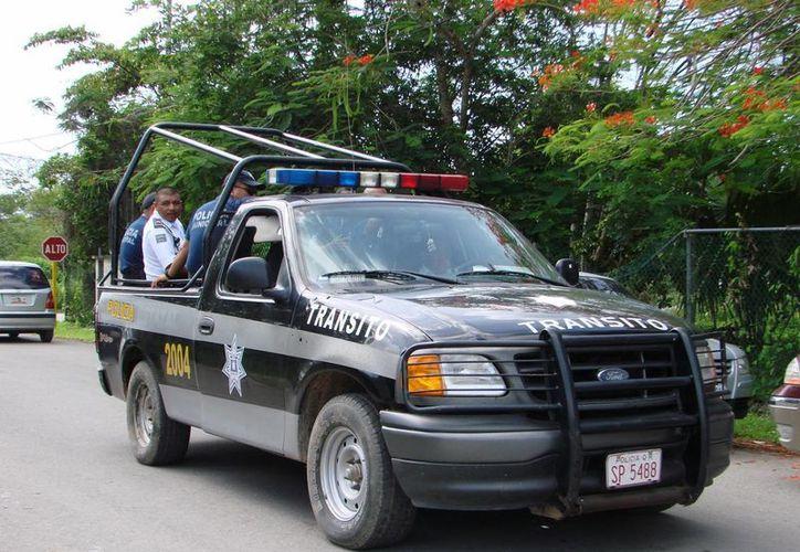 El hombre de campo pidió el apoyo de la policía para tratar de localizar a la pareja, sin embargo los esfuerzos fueron infructuosos. (Manuel Salazar/SIPSE)