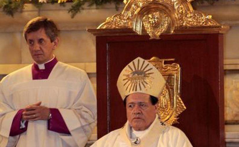 El arzobispo primado de México destacó que la cruz es el camino, el sendero de la vida. (Notimex)