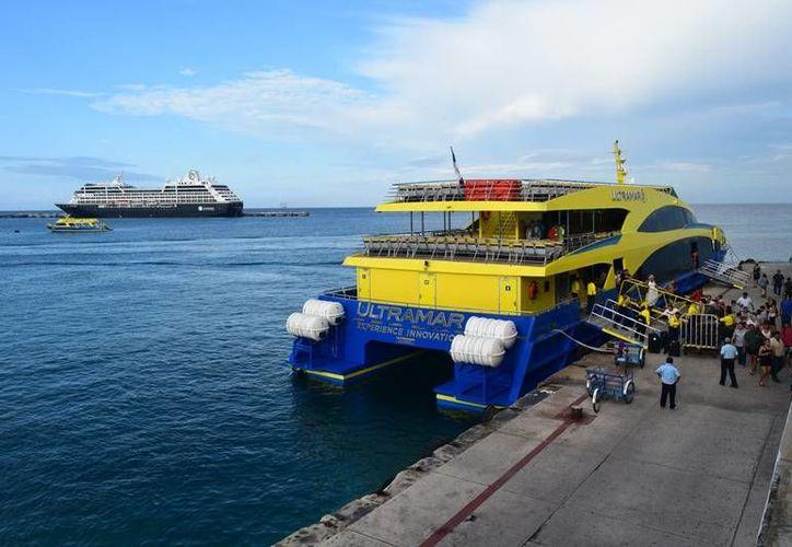 El costo del boleto sencillo para viajar en barco podría alcanzar los 97 pesos. (Foto: Gustavo Villegas/SIPSE)