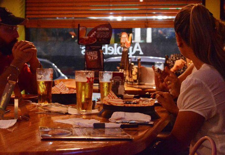El consumo de alcohol tiene que ver con la violencia familiar. (Luis Soto/SIPSE)