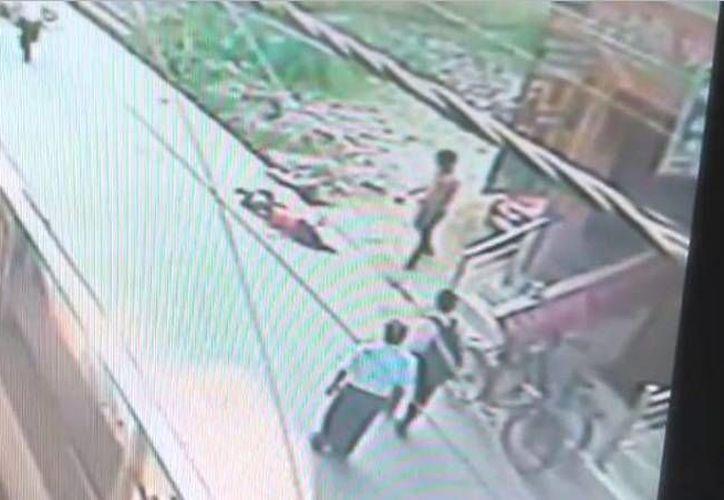 Karuna, de 22 años, murió ante la mirada de varias personas que no intentaron ayudarla mientras un pretendiente la apuñalaba. (hindustantimes.com)