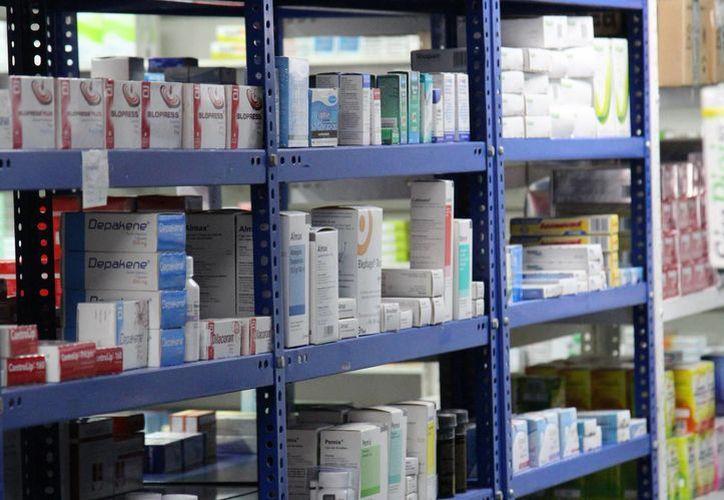 Los medicamentos de hipertensión y diabetes están fuera del cuadro básico. (Jesús Tijerina/SIPSE)