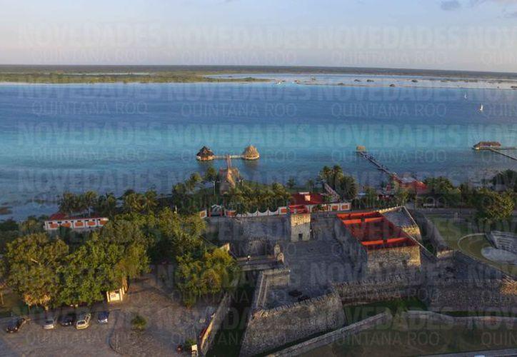 Bacalar es uno de los destinos turísticos más visitados. (Israel Leal/SIPSE)