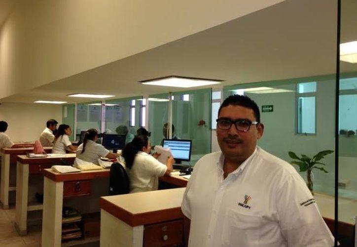 El pasado miércoles la administración estatal dio a conocer el nombramiento de 30 nuevos funcionarios en los ámbitos de dependencias e instituciones educativas. Este sábado se anunció que Mario Peraza Ramírez (foto) es nuevo gerente de recaudación de cartera de la Japay. (Milenio Novedades)