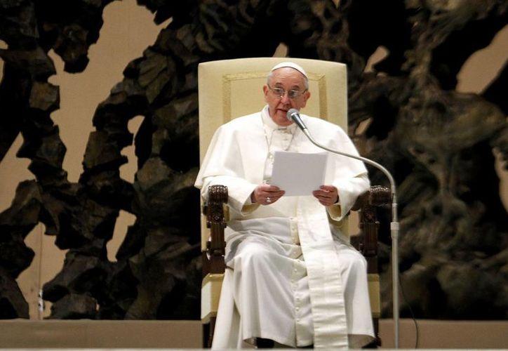 """Pidió """"que el Espíritu Santo renueve la creación y traiga justicia y paz a las Filipinas. (Archivo/Notimex)"""
